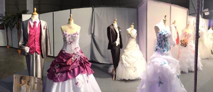 Les robes au stand de L'Univers du Mariage