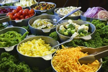 Bar à salade pour un mariage